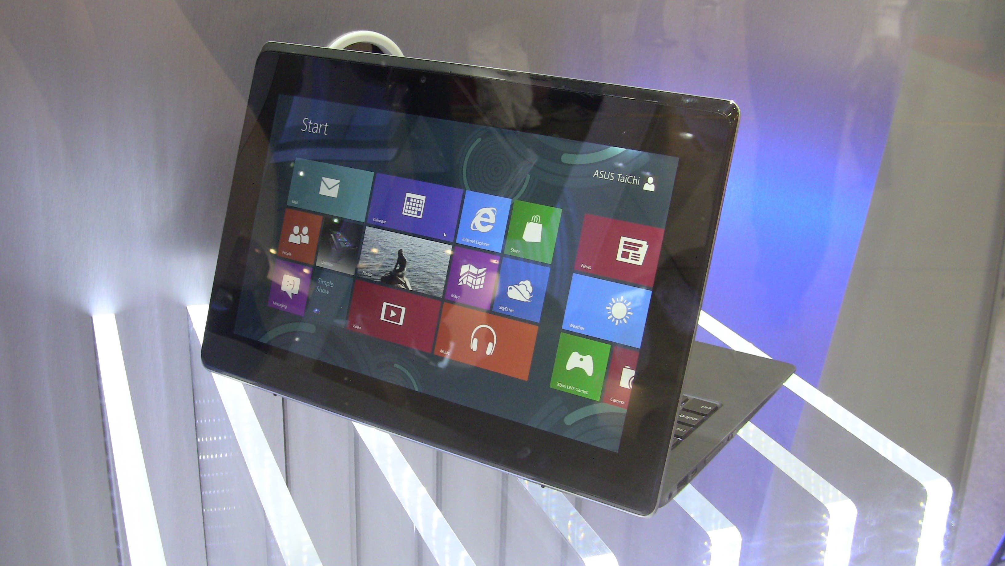 Asus Taichi Windows 8 Convertible taucht in Video-Clip auf