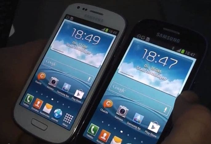 Samsung Galaxy S3 mini Pebble Blue vs Marble White