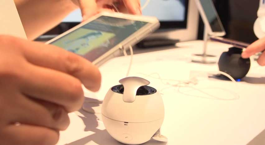 Sony-BTM5-Tennis-Ball-Size-NFC-Speaker-Hands-On