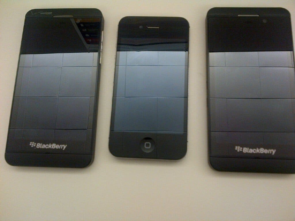 blackberry z10 vs apple iphone 4s 1