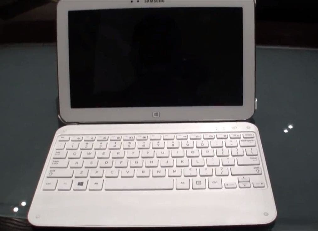 Samsung ATIV Tab 3 Sleeve mit Bluetooth Keyboard im Hands-on