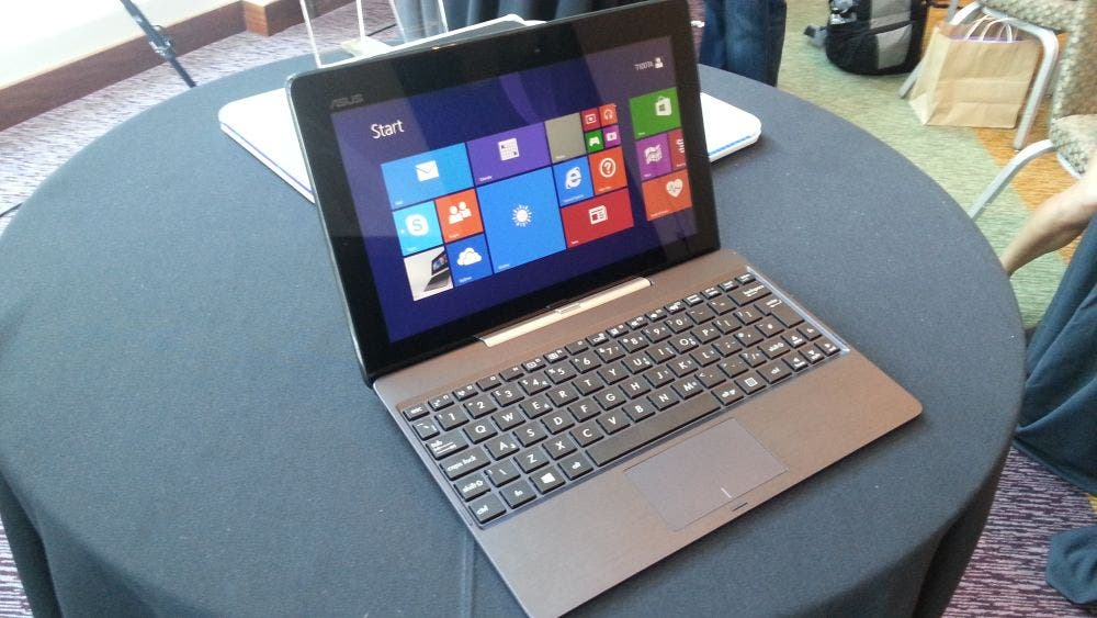 IDF: ASUS Transformer Book T100 Hands-on [Video]