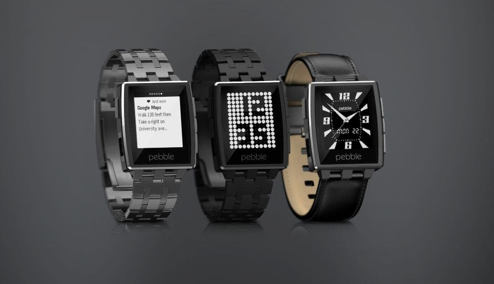 Pebble Steel-3qtr-trio-zoom