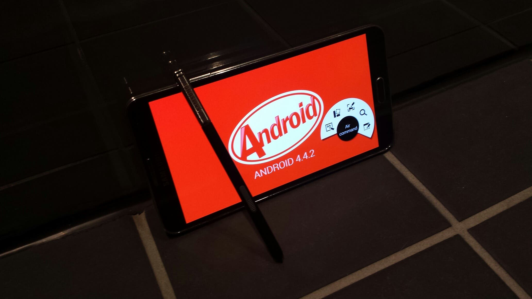 Samsung Galaxy Note 3 Android KitKat 4_4_2