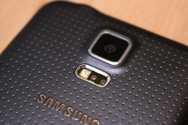 Samsung Galaxy S5 unboxing 0011