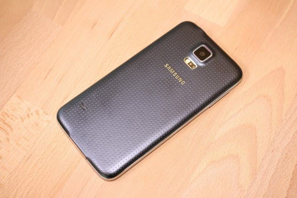 Samsung Galaxy S5 unboxing 0013