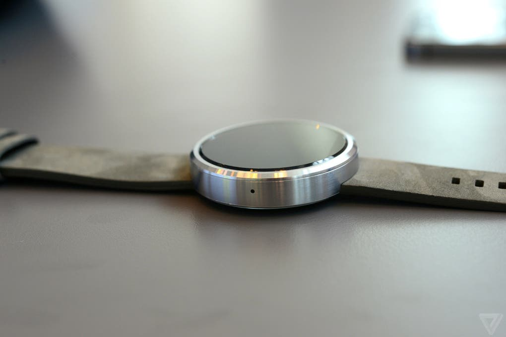 Motorola Moto 360 Hands on 13