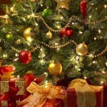 holiday-christmas-new-year-tree-gifts-toys-garland-1920x1080
