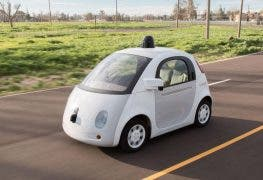 Googles Self-Driving Car soll in sinnvollen Situationen hupen
