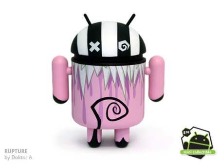 Rupture-Android-figurine
