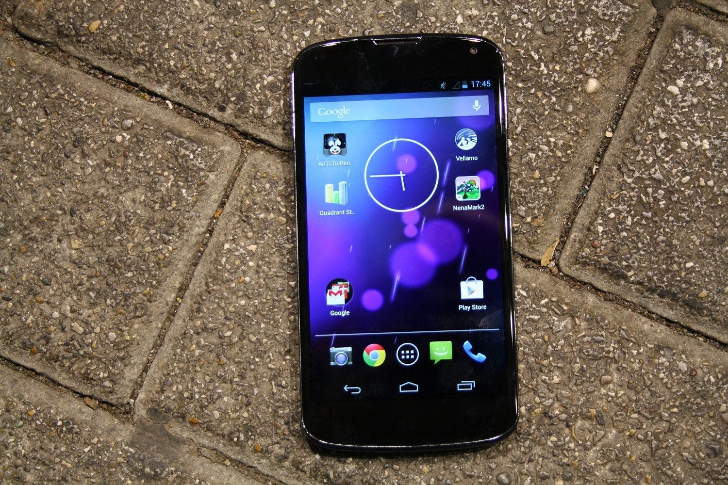 Nexus 4 droptest fuchsphone (1)