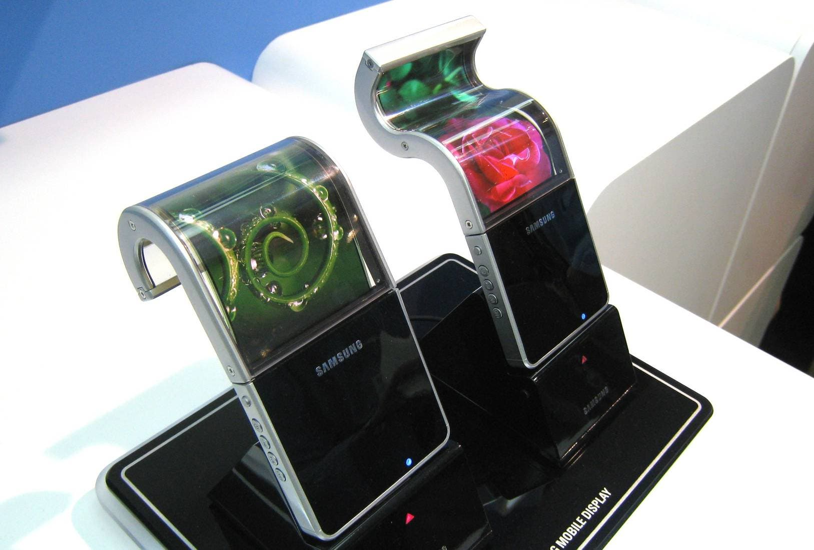 samsung flexible amoled display fpd 2010