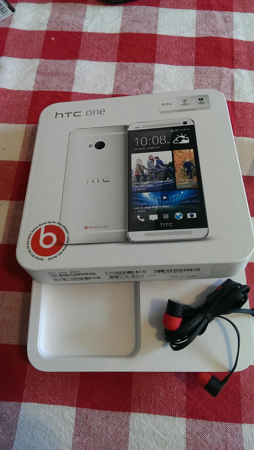 HTC One o2 angekommen