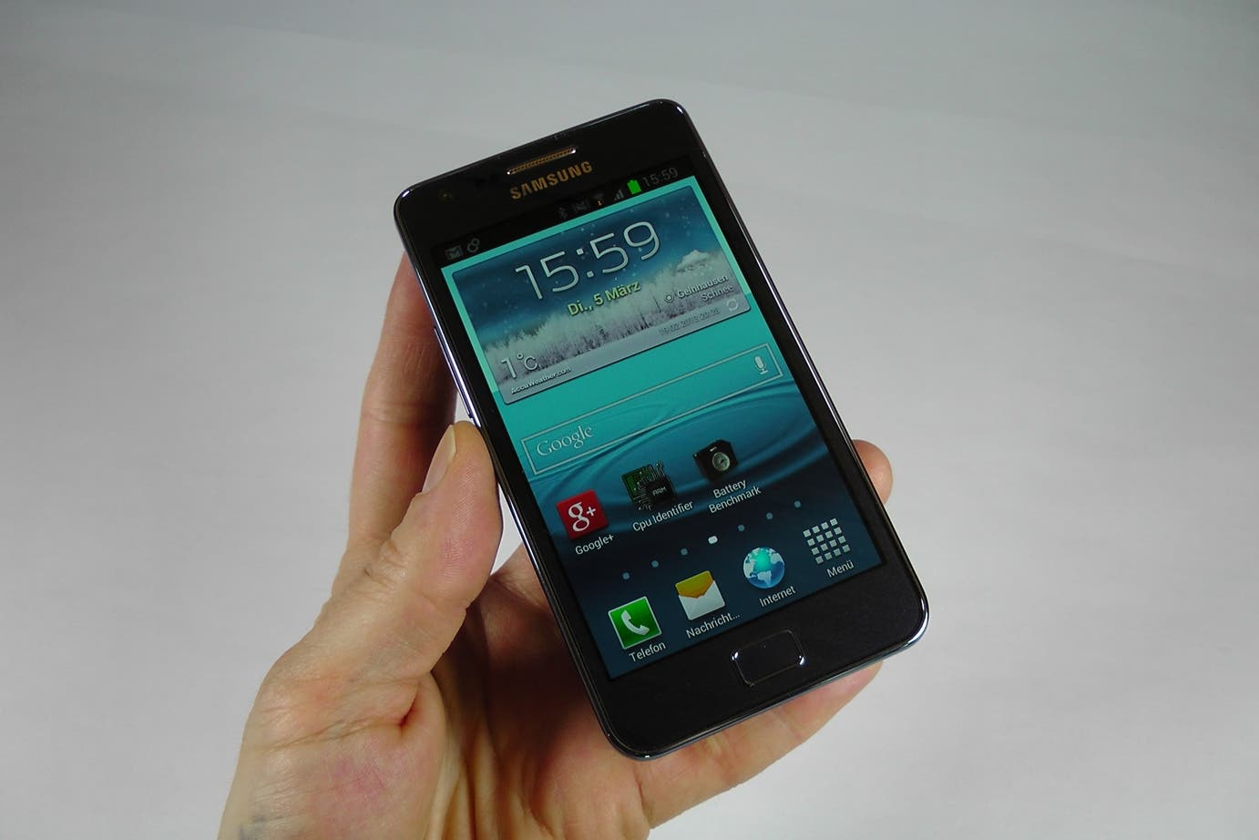 Samsung Galaxy S2 Plus Unboxing 24