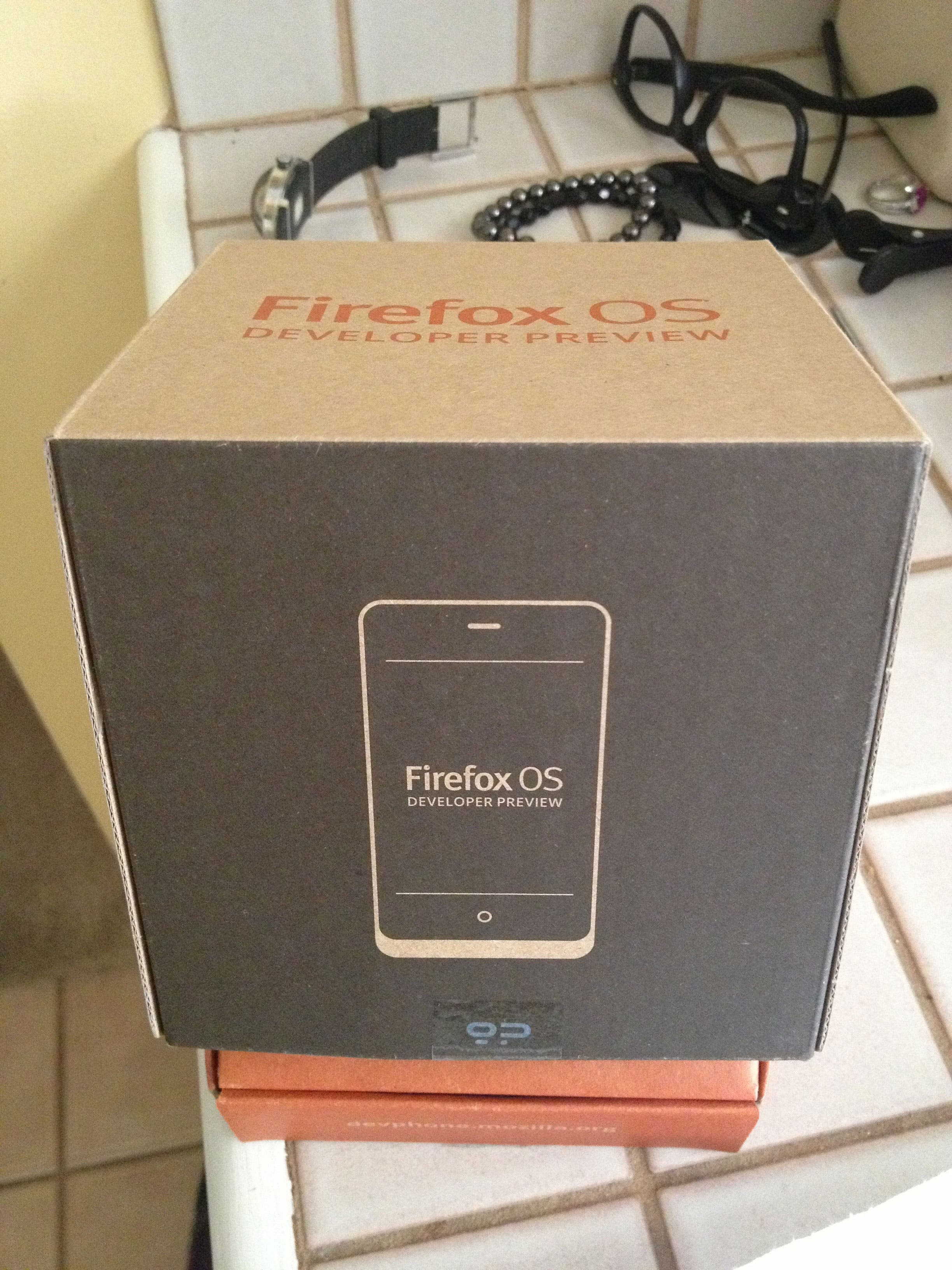 Firefox OS Unboxing 01