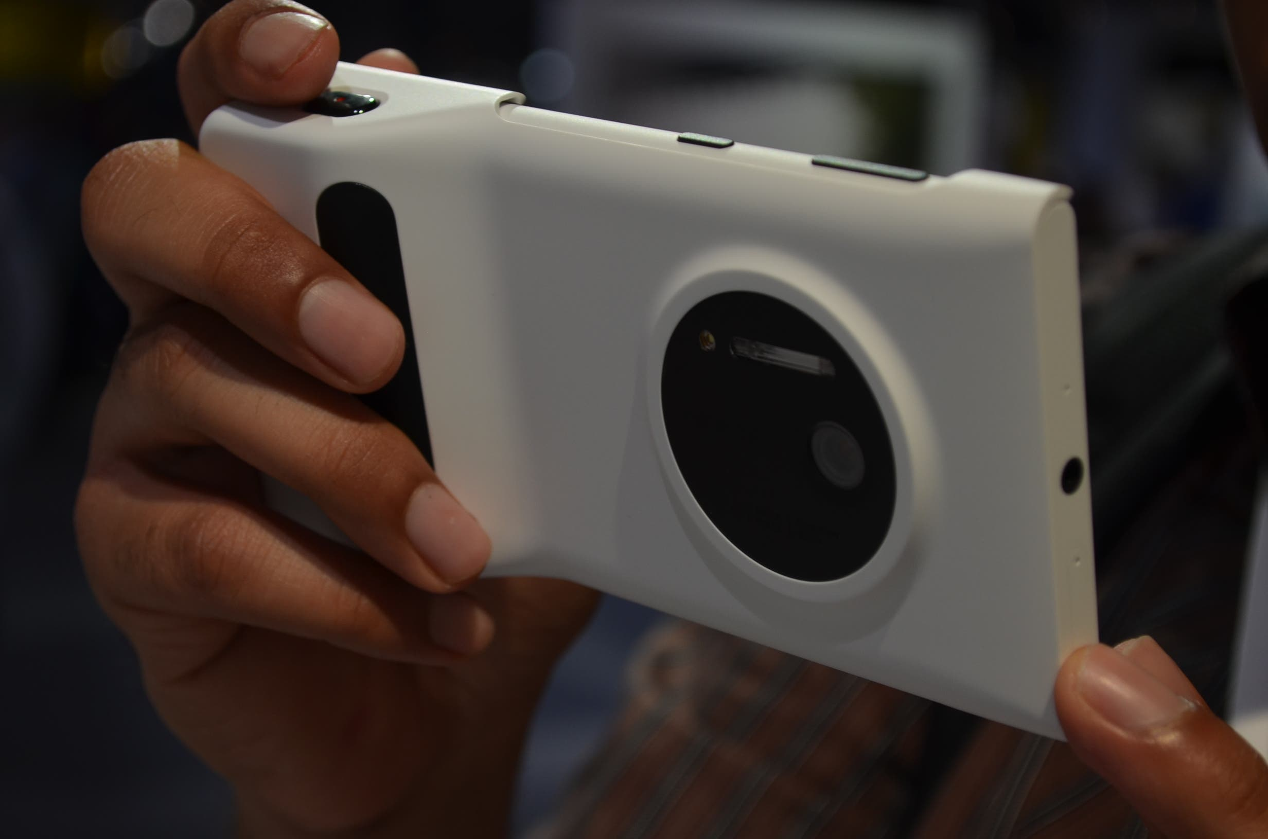 Nokia Lumia 1020: Lumia Camera Grip im Hands-on