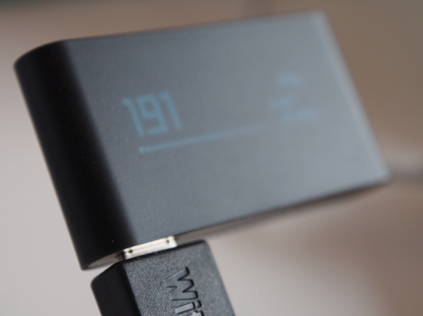 Withings Pulse USB Micro laden