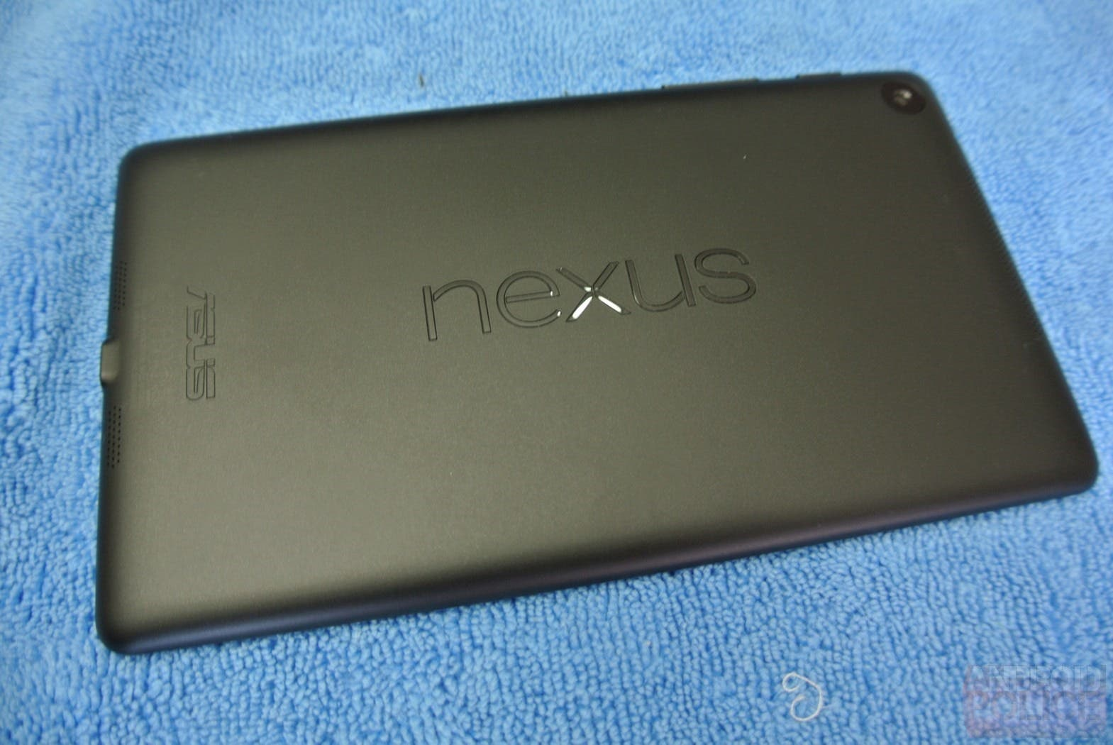 nexus-7-asus-google-2013-back