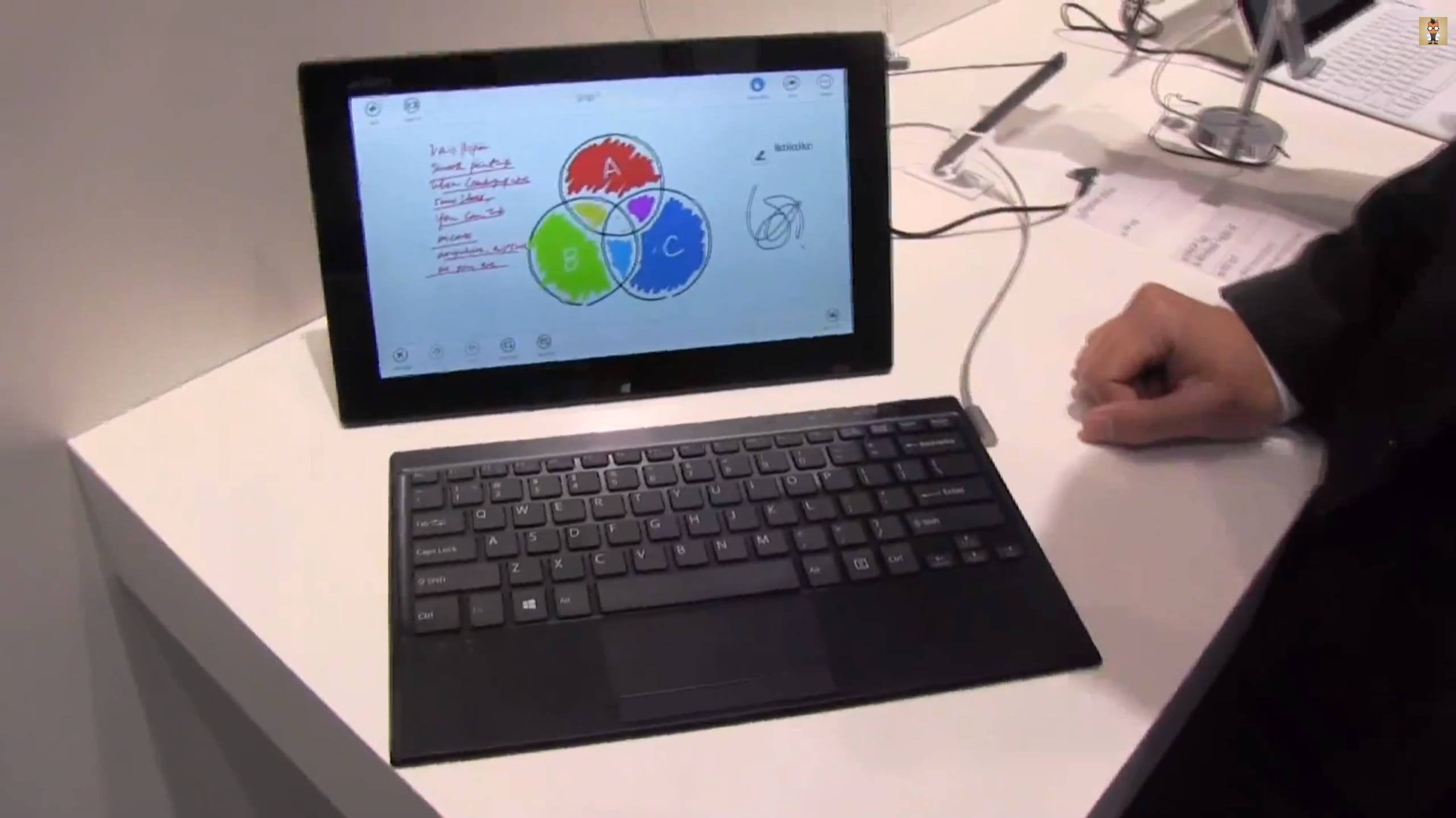 IFA Sony VAIO Tap 11 Windows 8 Tablet with Magnetic Keyboard Hands On