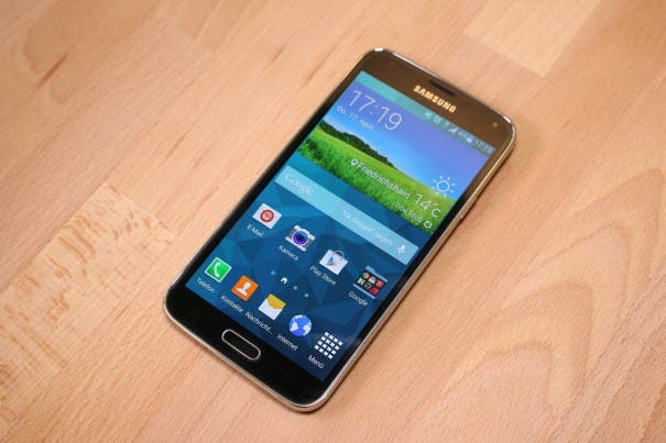 Samsung Galaxy S5 unboxing 0012