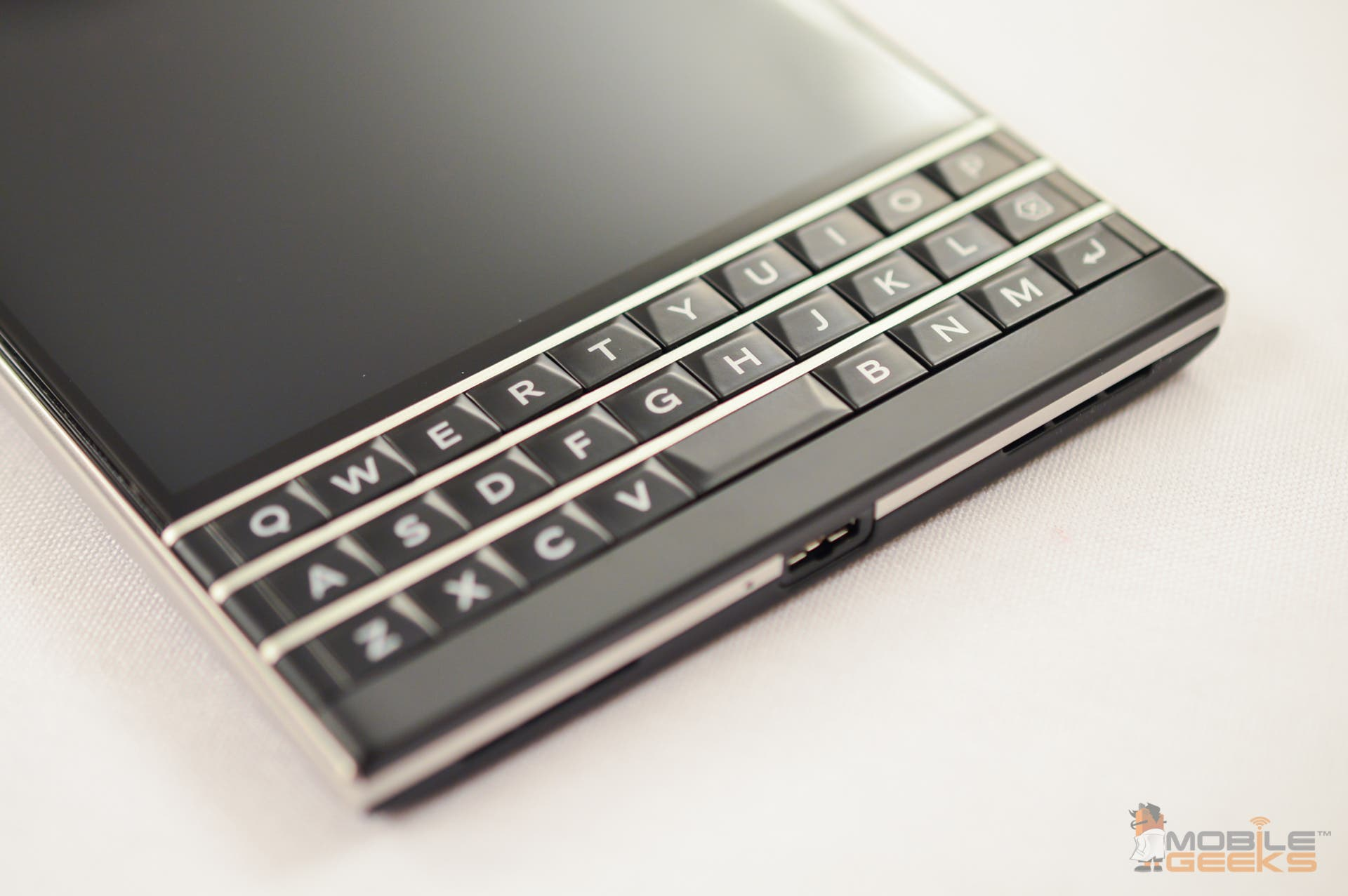 BlackBerry-Passport-8 (2)