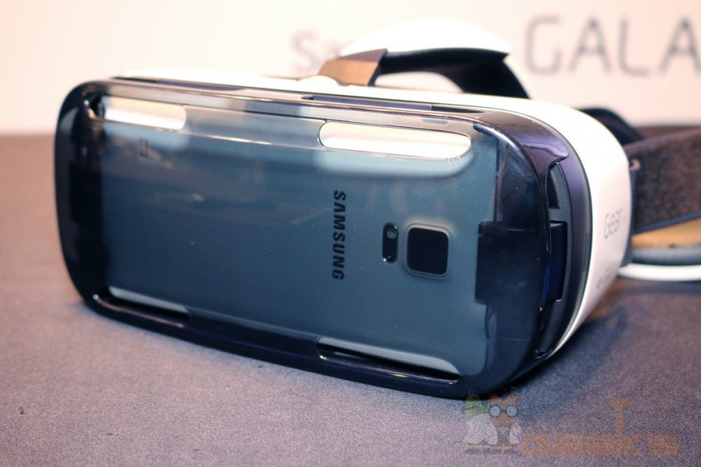 ifa samsung gear vr brille im hands on video. Black Bedroom Furniture Sets. Home Design Ideas