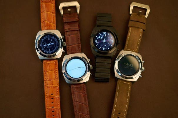 geak-watch-2-prototypes-1200x800