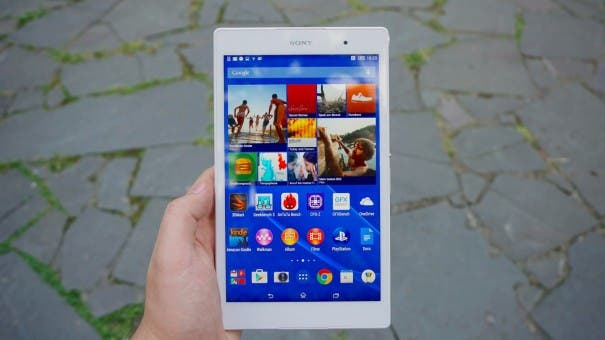 Homescreen des Sony Xperia Z3 Tablet Compact mit Widgets und Apps