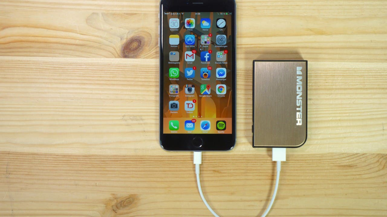 iPhone 6 Plus und Monster Powercard Turbo