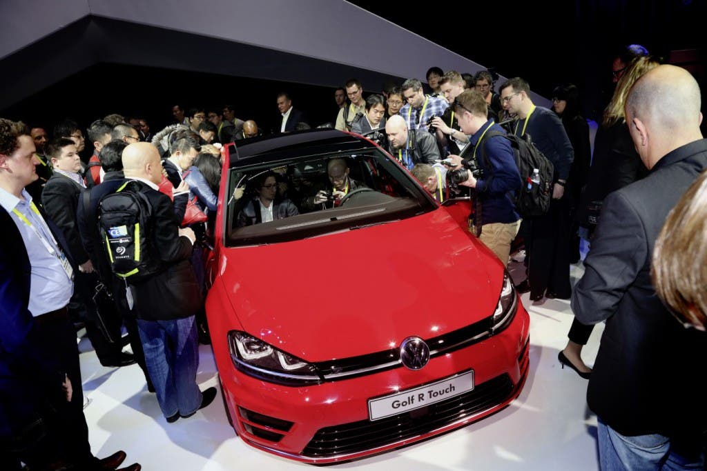 VW_Golf_R_Touch_CES_2015