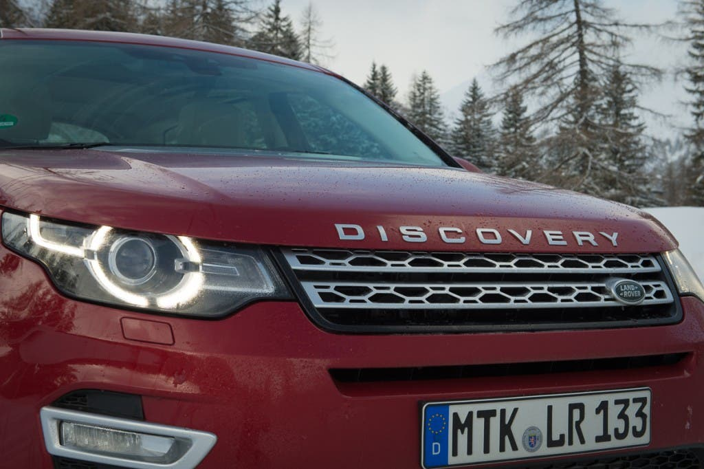 2015-Land-Rover-Discovery-Sport-firenze-rot-Oesterreich-08