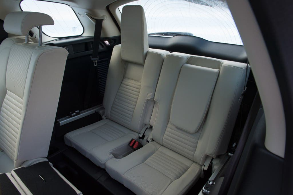 2015-Land-Rover-Discovery-Sport-firenze-rot-Oesterreich-23