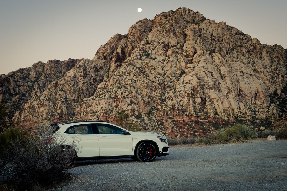 2015-Mercedes-Benz-GLA-45-AMG-Edition1-weiss-Las-Vegas-Red-Rock-Canyon-06