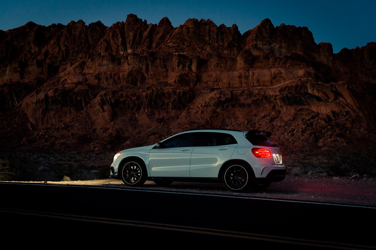 2015-Mercedes-Benz-GLA-45-AMG-Edition1-weiss-Las-Vegas-Valley-of-Fire-11