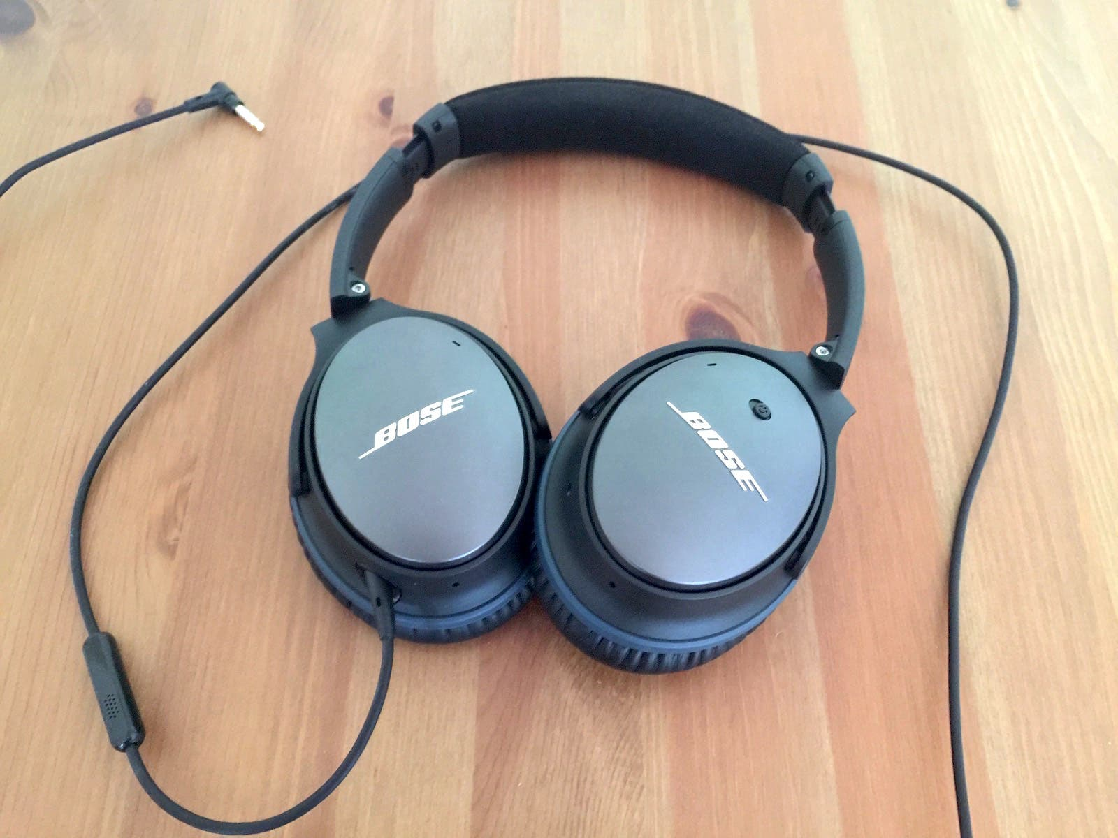bose quietcomfort 25 noise cancelling kopfh rer im test. Black Bedroom Furniture Sets. Home Design Ideas