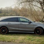 2015 Mercedes-Benz CLA 250 4MATIC Shooting Brake OrangeArt Edition mountaingrau metallic - Seitenansicht