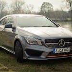 2015 Mercedes-Benz CLA 250 4MATIC Shooting Brake OrangeArt Edition mountaingrau metallic - von rechts vorne
