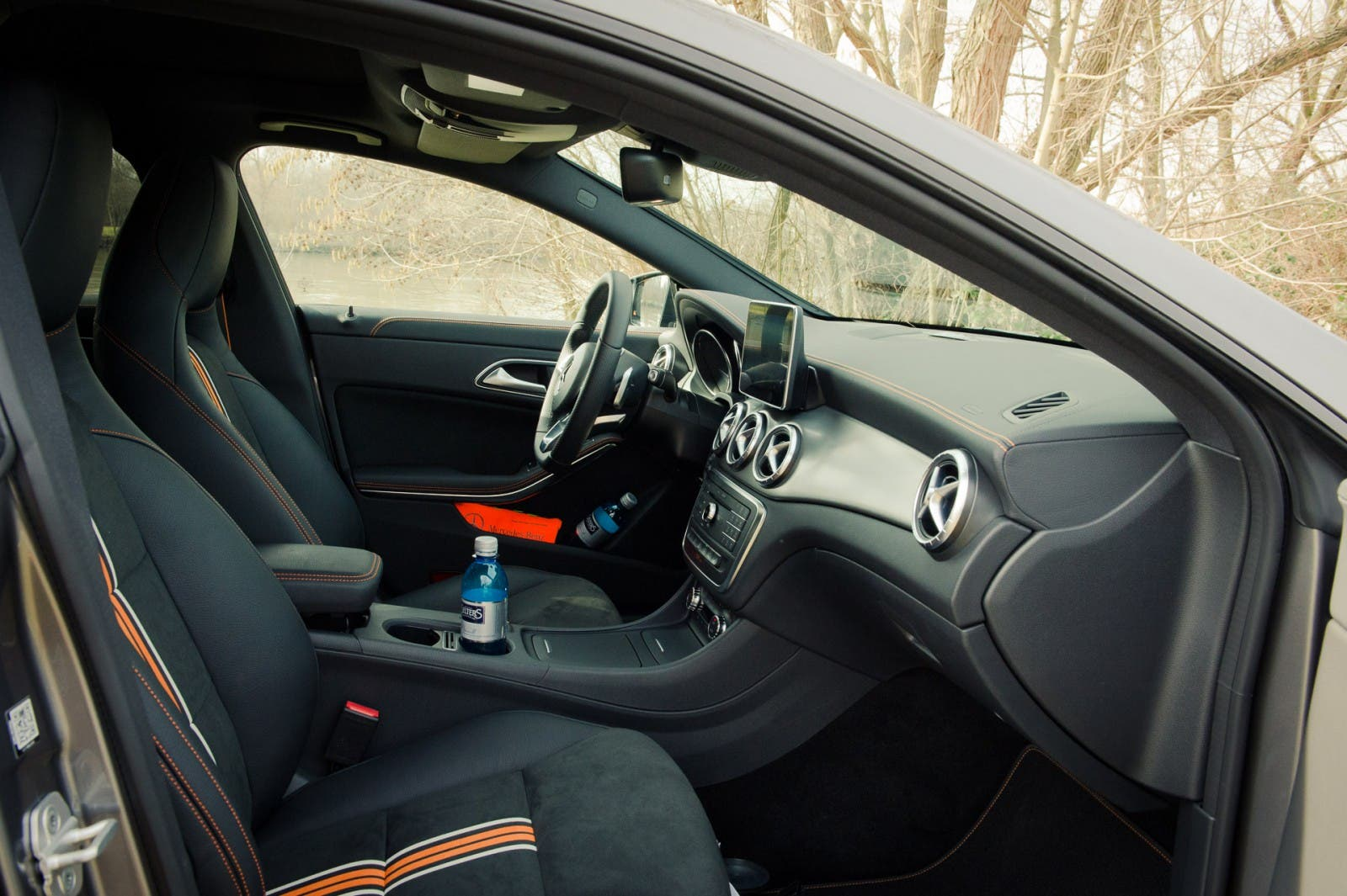 2015-mercedes-benz-cla-250-4matic-shooting-brake-orangeart-edition-mountaingrau-12