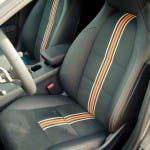 Fahrersitz im 2015 Mercedes-Benz CLA 250 4MATIC Shooting Brake OrangeArt Edition