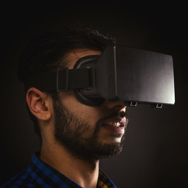 http://www.firebox.com/product/7017/Immerse Virtual Reality Headset