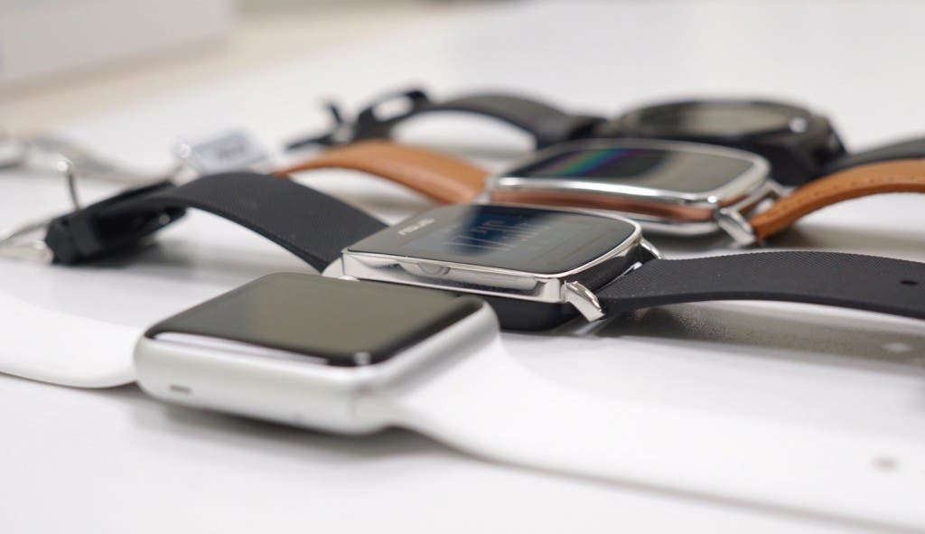 VivoWatch Apple Watch Zenwatch G Watch R seitliche Ansicht