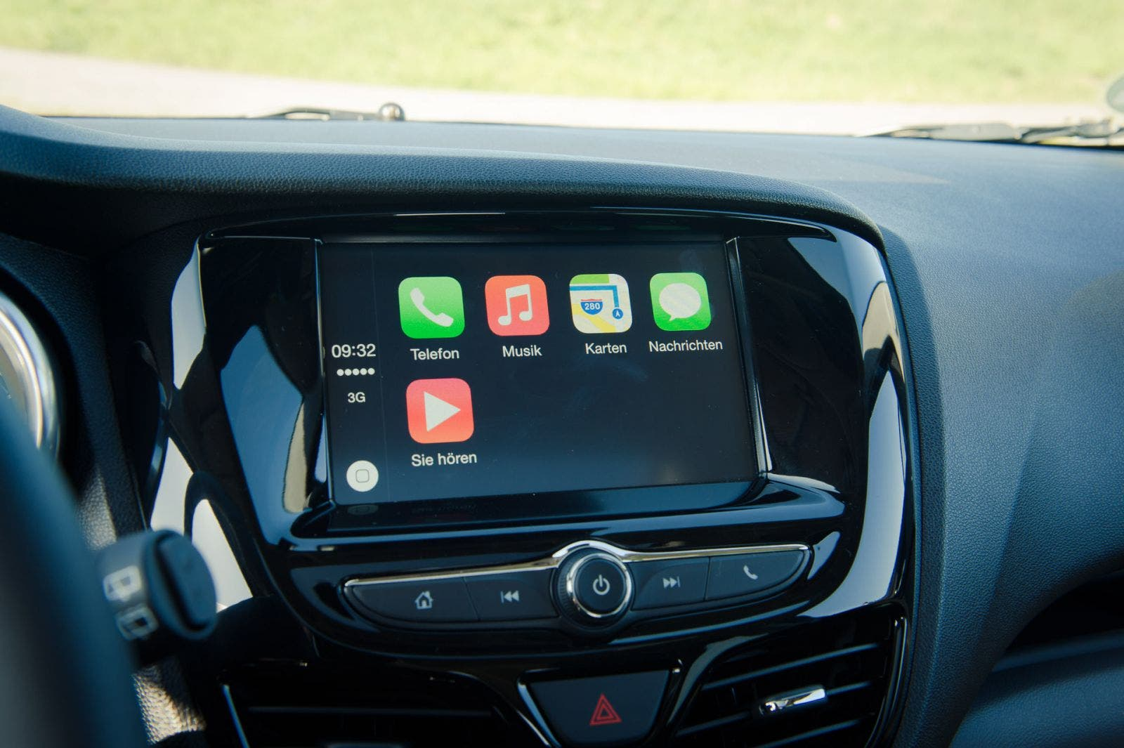Apple CarPlay Infotainment-System - 2015 Opel KARL