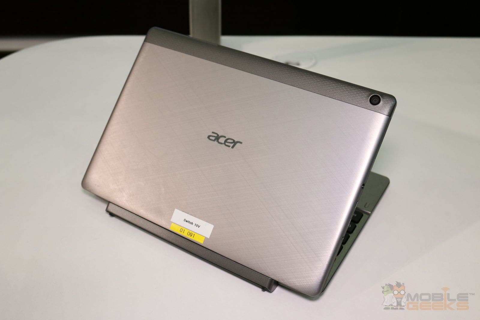 acer aspire switch 10 v 2 in 1 tablet mit intel cherry. Black Bedroom Furniture Sets. Home Design Ideas