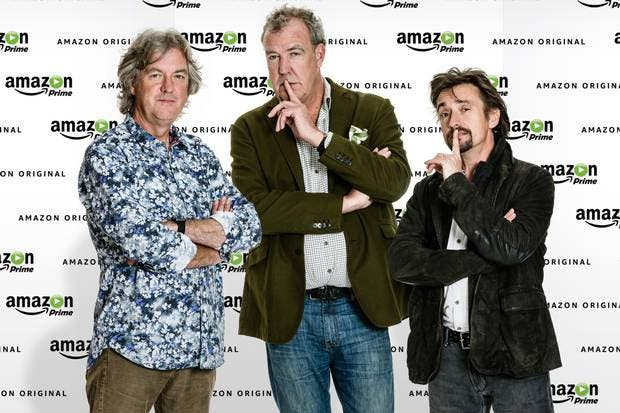 Clarkson, Hammond und May vor Amazon Prime-Wand