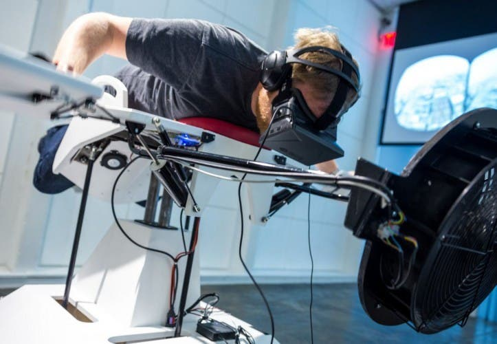 Birdly: ein Virtual Reality Simulator zum … Fliegen!