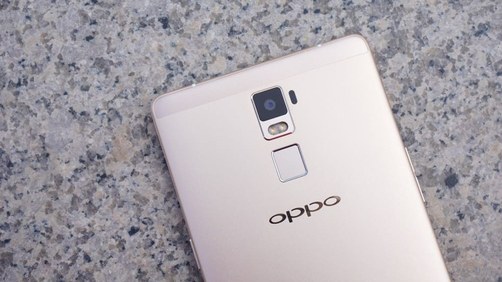 OPPO R7 Unboxing 1