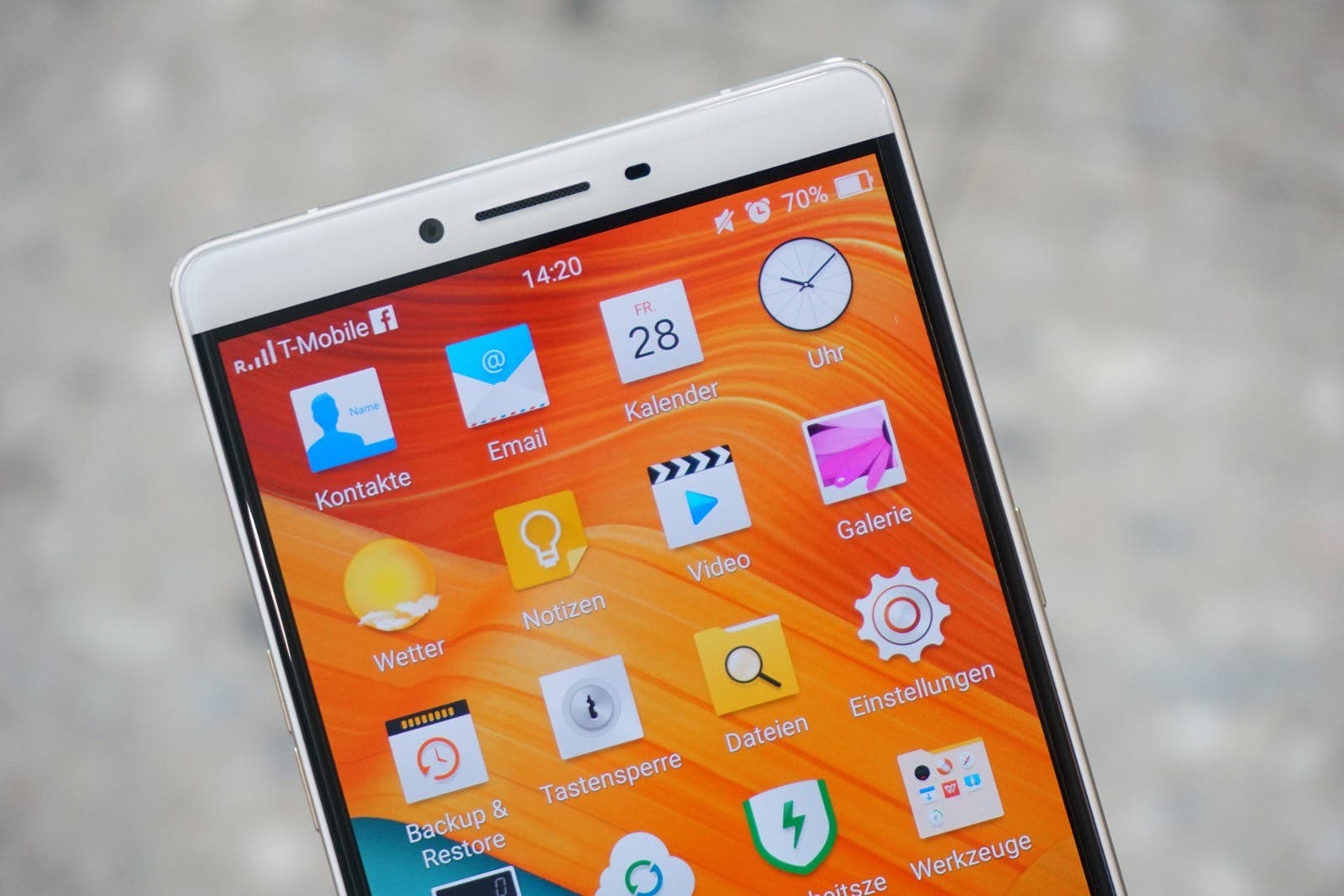 OPPO R7 Unboxing 13