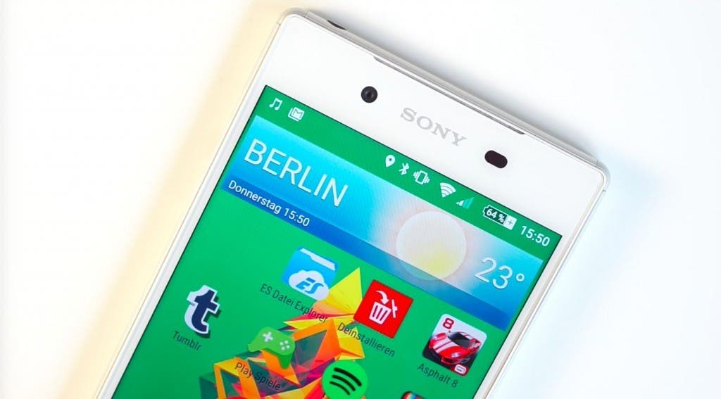 Sony Xperia Z5 Display close up