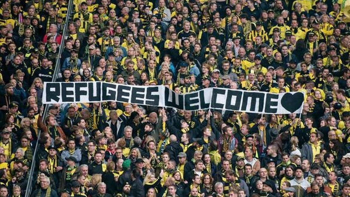 bvb-fans-refugee-welcome-1170x658