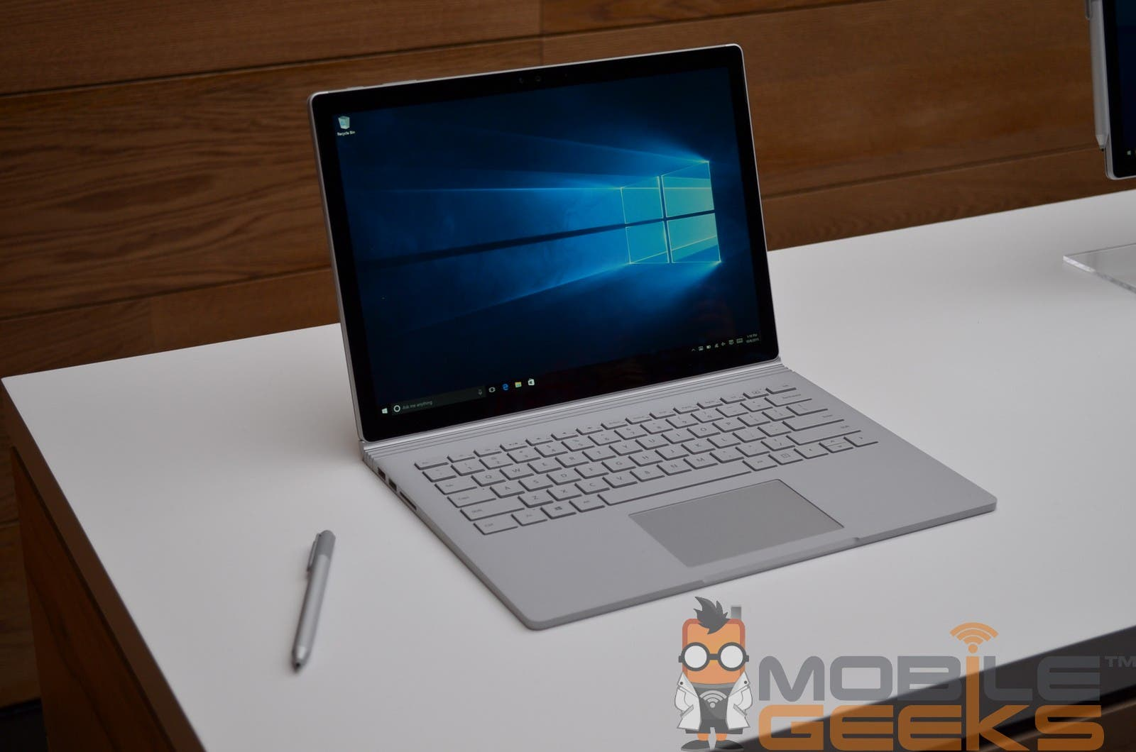 Microsoft Surface Book 10